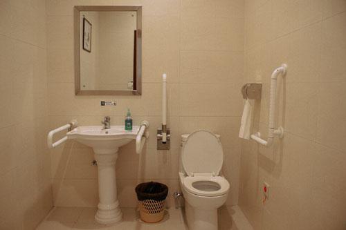小型厕所浴室设计
